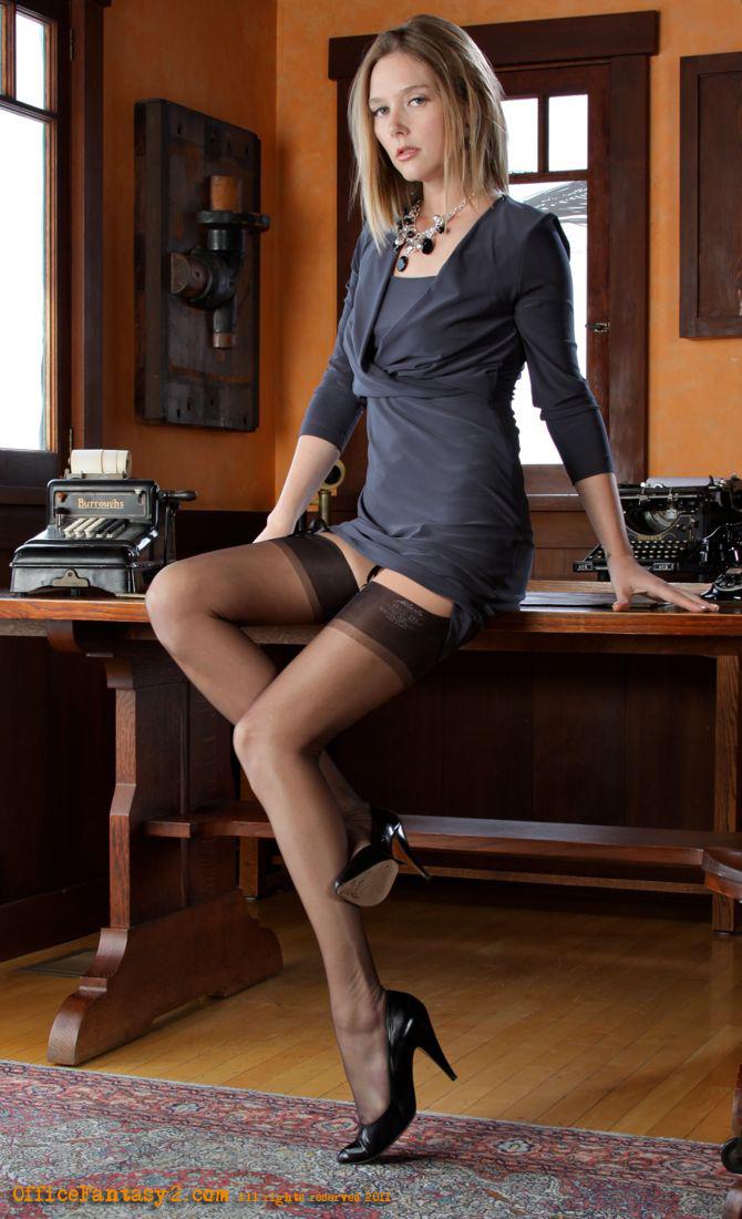Beautiful-legs videos - XVIDEOS. COM