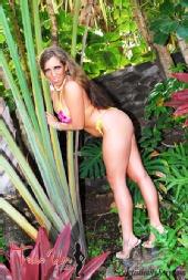 Samantha Grace - Teaseum in Hawaii