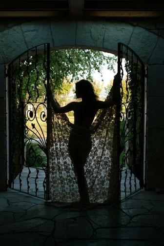 Lauren - doorway