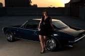 Lauren - Muscle Car