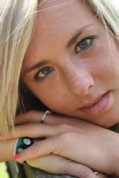 MandyLou - Close up