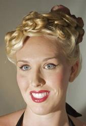 Ariel Egan - 1950s style hair & makeup