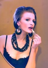 Ana Mckee - models & bottles