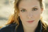 Amanda Lea - Head Shot