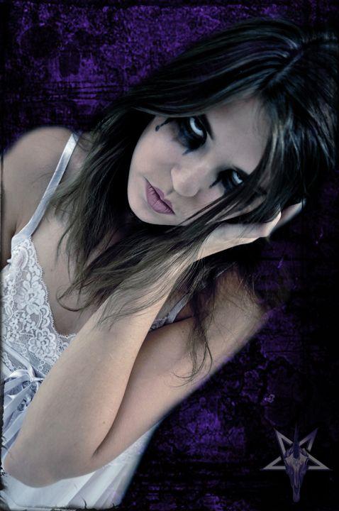 Amy Davis - ANGRY!