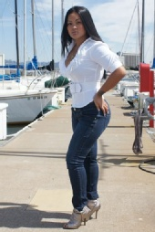 Miss Bay Area - Tara body shot jeans profile