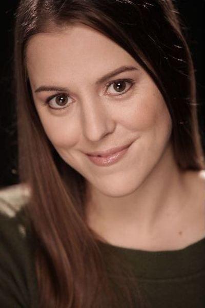 Christina Robbins - close-up in green