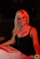 Laura - Bartending at Lizard Lounge in Deep Ellum
