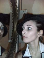 Tasha Linette - Face/Mirror
