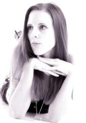 Kayleigh Louise - Headshot