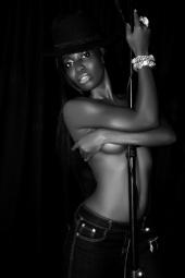 Gloria owusu