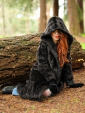 Backstreet Photography - workin' the fur coat with Yerushalom