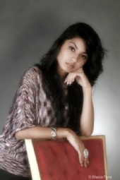 yasmin khoshdel