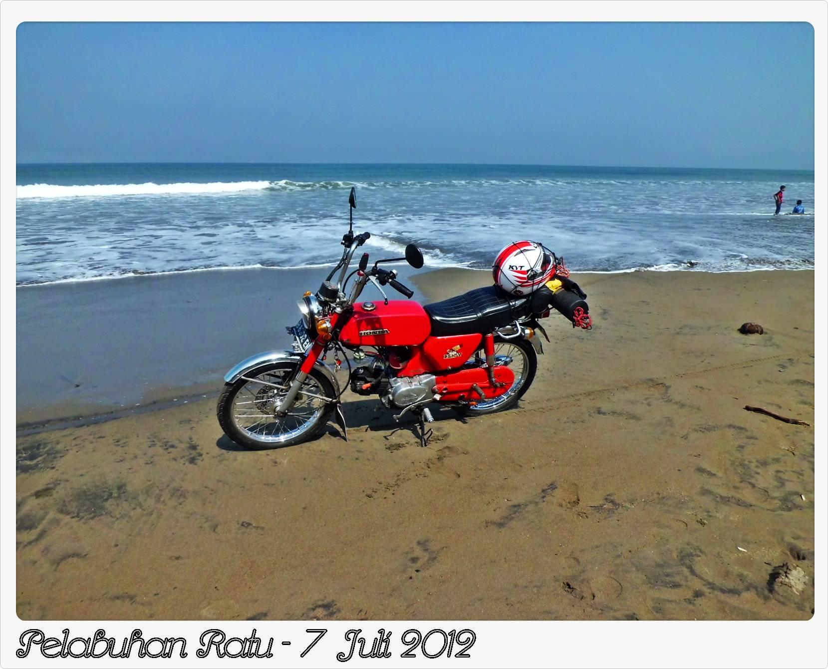 sonnykdn - Classic Bike at the Beach